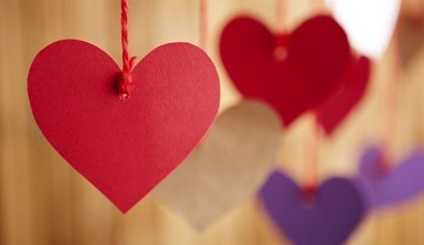 Auguri di San Valentino 2017: 10 frasi d